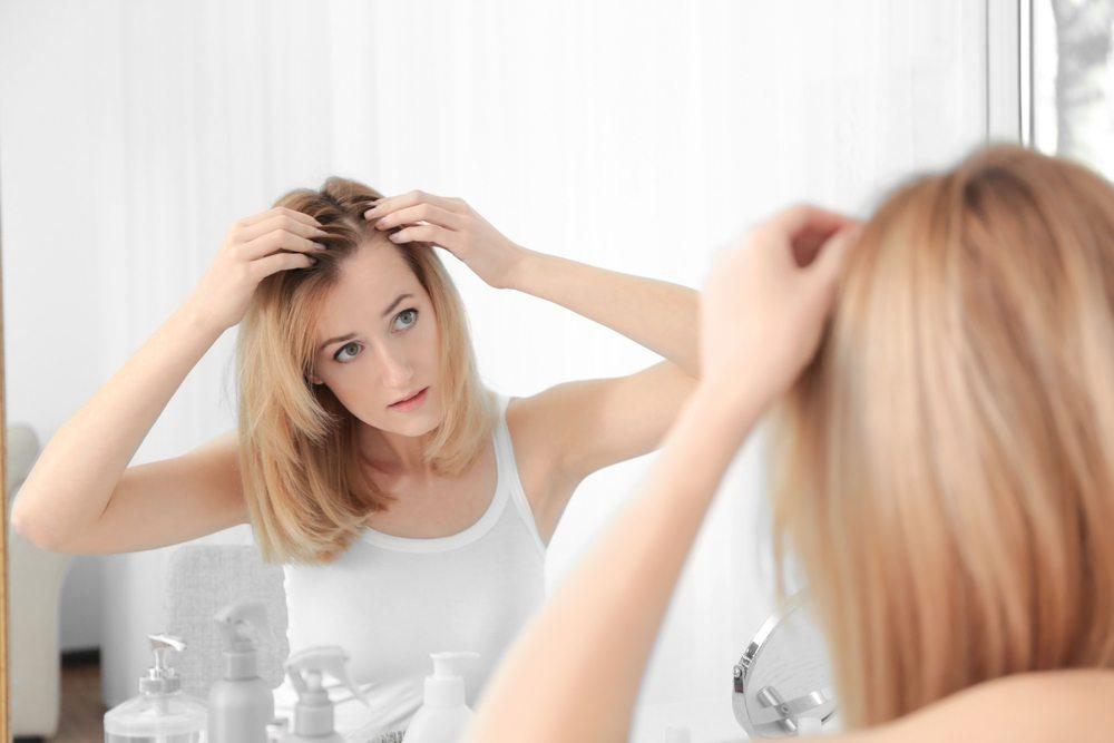 women loses hair